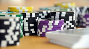 4 Key Ways The Professionals Use For Casino